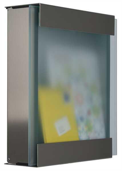 glasnost.glass Briefkasten aus Edelstahl mit Glasfront